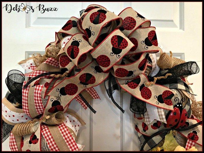 ladybug-wreath-top-bow