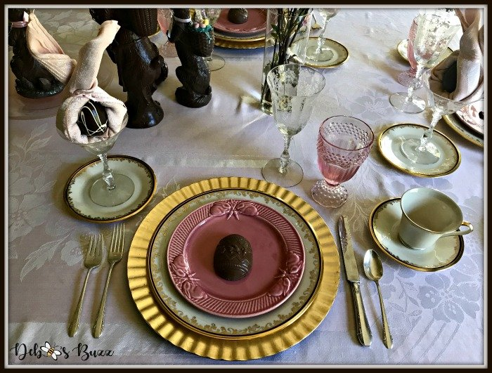 vintage-Easter-table-chocolate-egg-place-setting