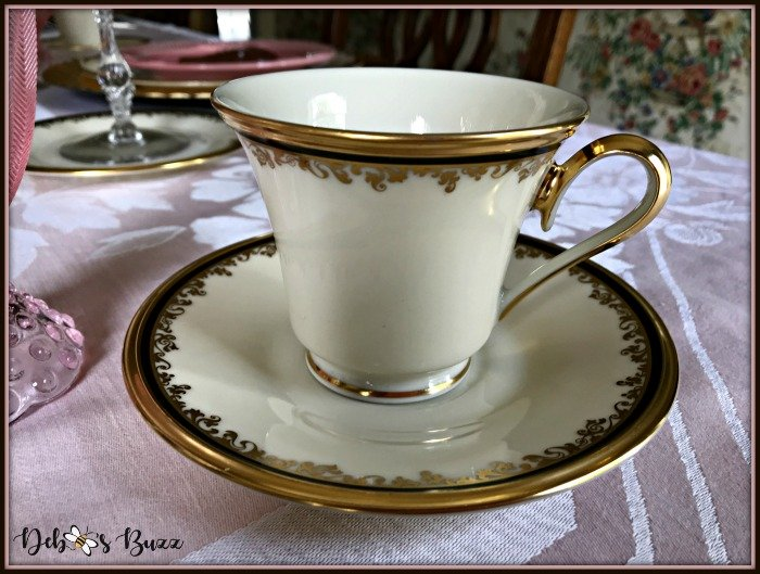 vintage-Easter-table-coffee-cup
