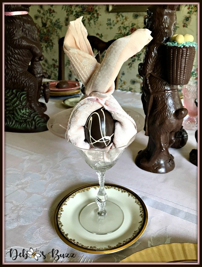 vintage-Easter-table-rabbit-ears-napkin