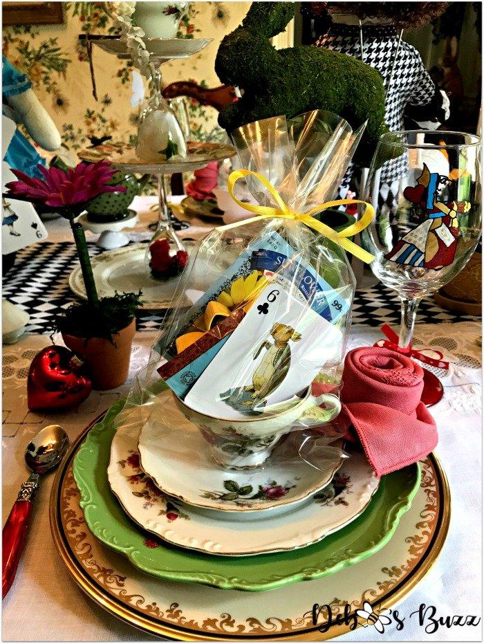 wonderland-tea-party-tablescape-place-setting-queen-glass