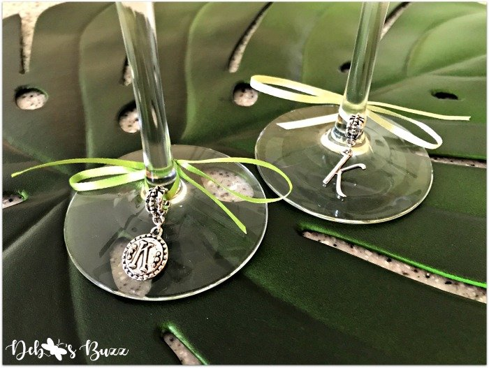 wedding-champagne-flutes-initial-charms