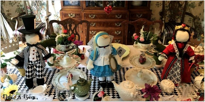 wonderland-tea-party-doll-centerpiece
