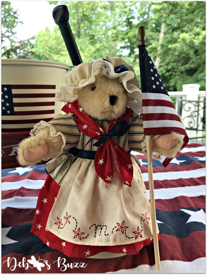 july-fourth-table-betsy-ross