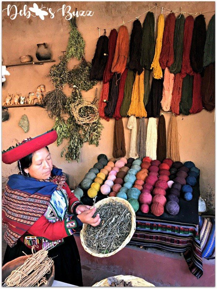 Chinchero-Peru-trip-weaving-center-dyes