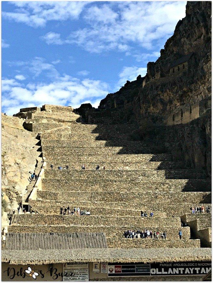 Peru-Sacred-Valley-Ollantaytambo-fortress-terraces
