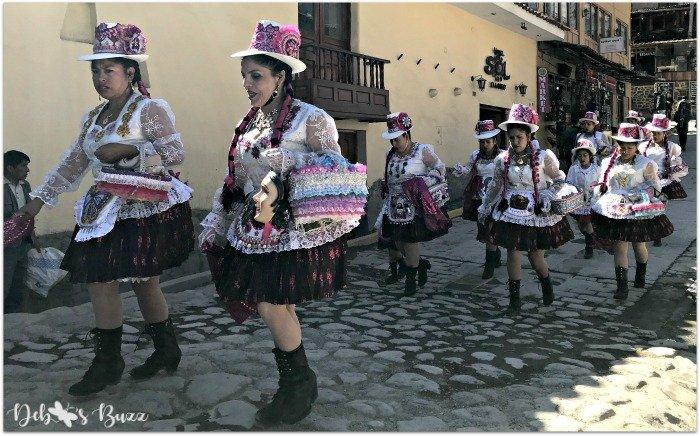 Peru-Sacred-Valley-Ollantaytambo-festival