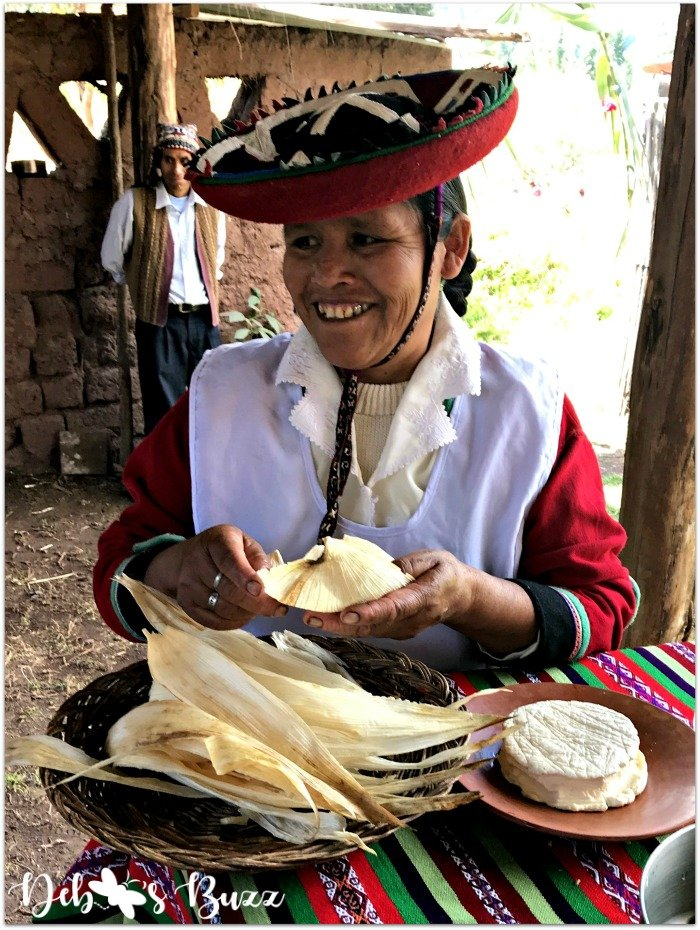 Peru-Sacred-Valley-corn-husk-wrap