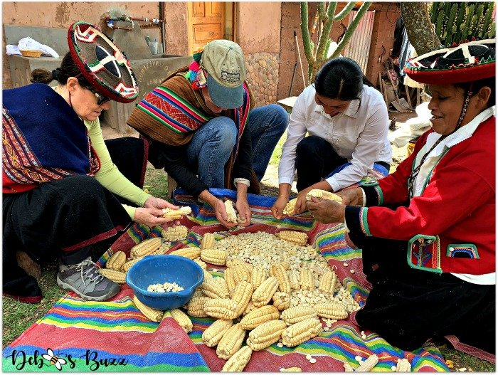 Peru-Sacred-Valley-removing-dried-corn-kernels
