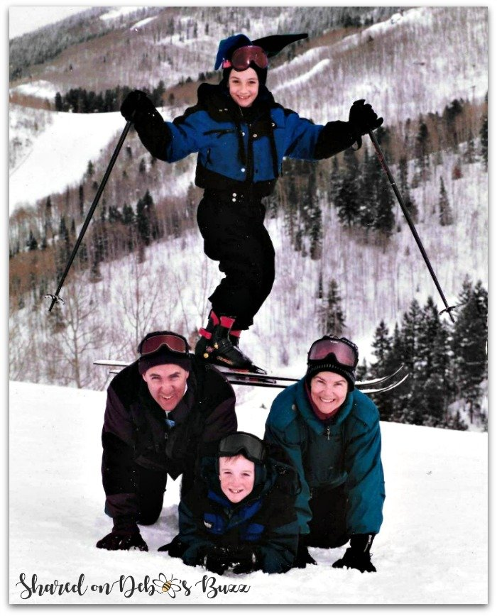 Steamboat-Springs-Colorado-ski-family