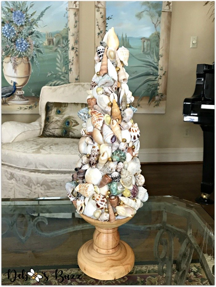coastal-decor-tour-seashell-topiary