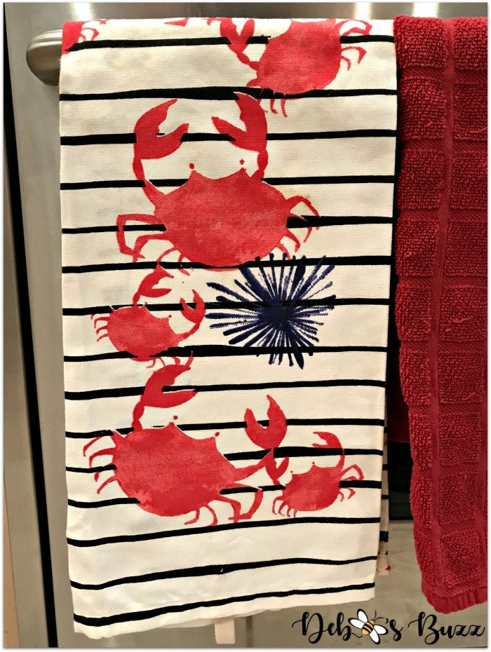 kitchen-coastal-tableware-crab-towel