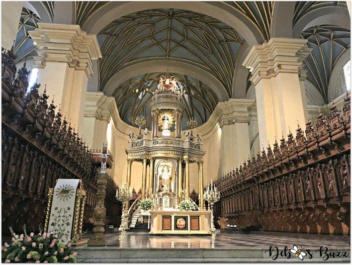lima-peru-cathedral-interior