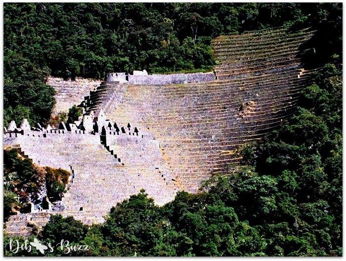 Peru-Inca-trail-winay-wayna-hillside-view