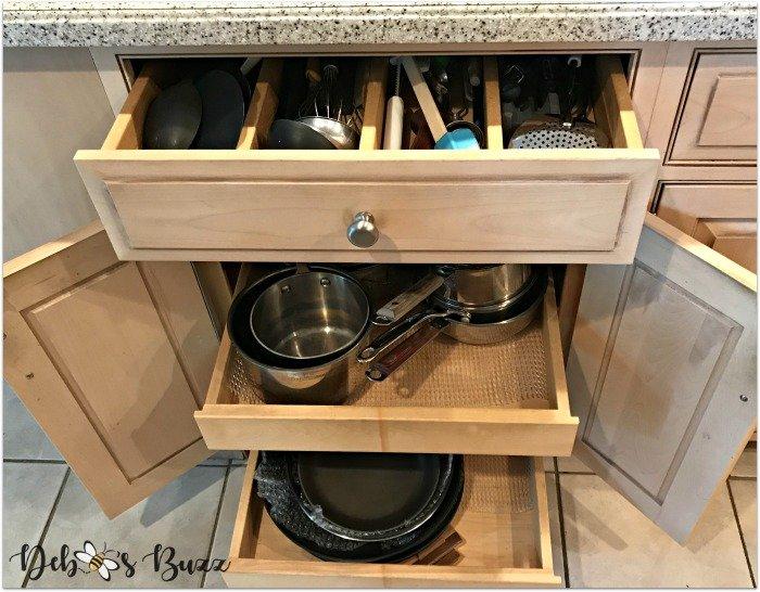 large-utensil-drawer-two-pan-pull-shelves