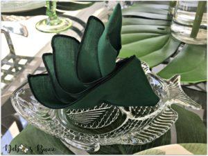 palms-bird-of-paradise-napkin-fold-tropical-tablescape