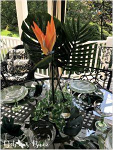 palms-bird-of-paradise-tropic-tablescape-centerpiece
