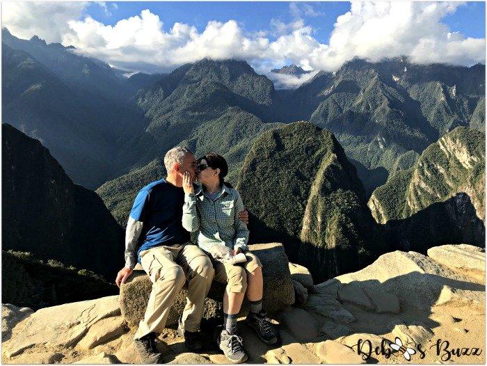peru-machu-picchu-day1-Inca-trail-overlook-kiss