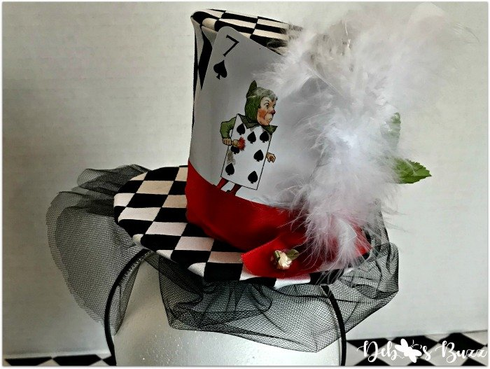 Mad-Hatter-fascinator-playing-card-feathers