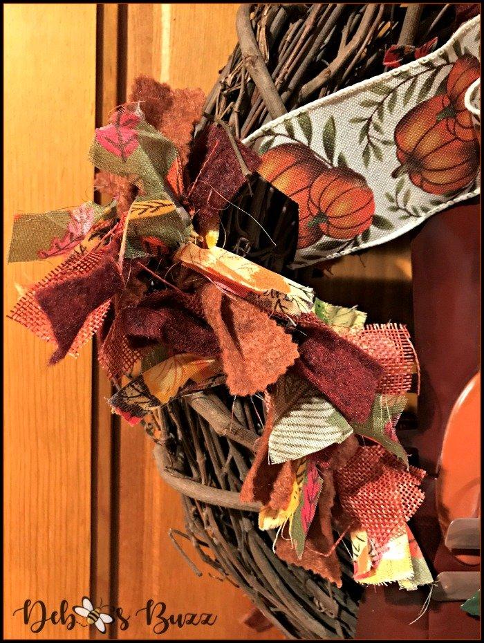 fall-grapevine-wreath-cloth-felt-garland-detail