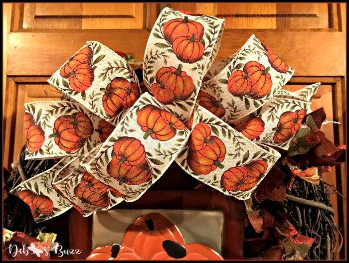 fall-grapevine-wreath-pumpkin-print-bow