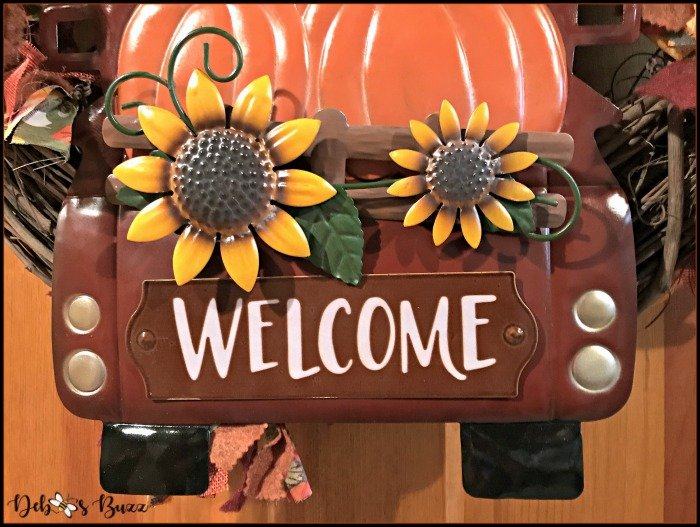 fall-wreath-truck-welcome-sign