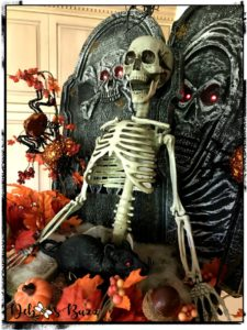 Halloween-skeleton-decoration