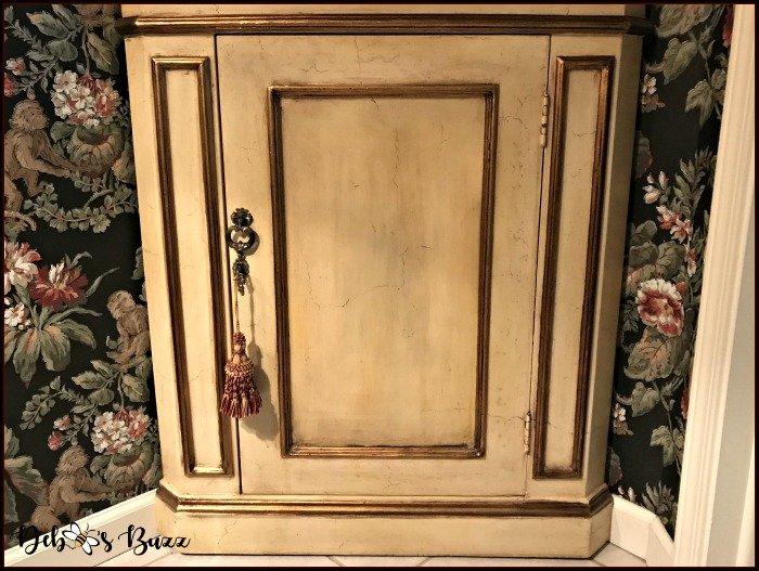 bottom-corner-cabinet
