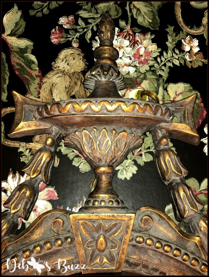 monkey-decor-powder-room-mirror-pediment