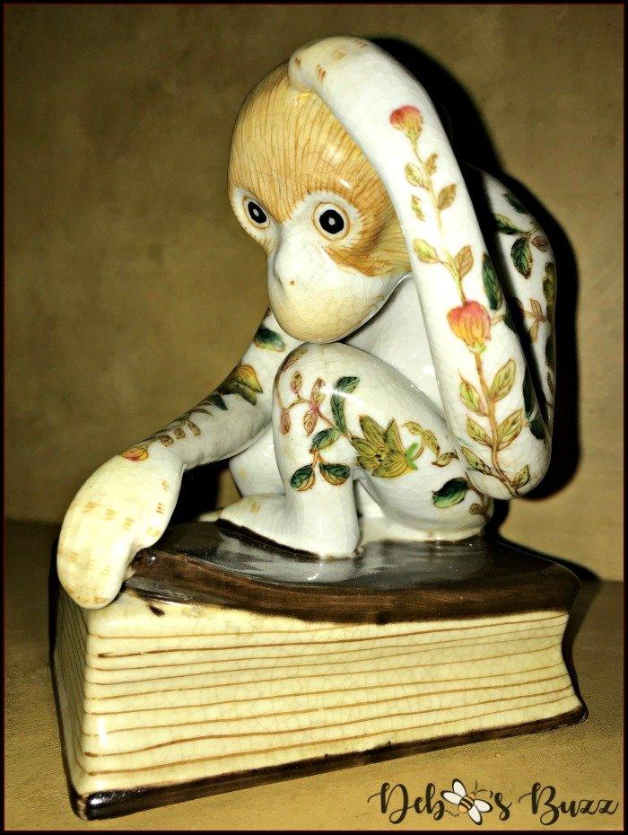 monkey-decor-statue
