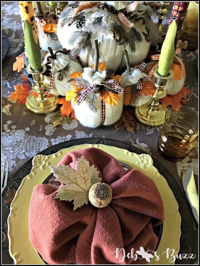 pumpkin-patch-Thanksgiving-brunch-tablesetting