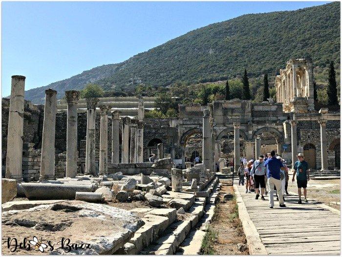 Ephesus-Turkey-column-walkway