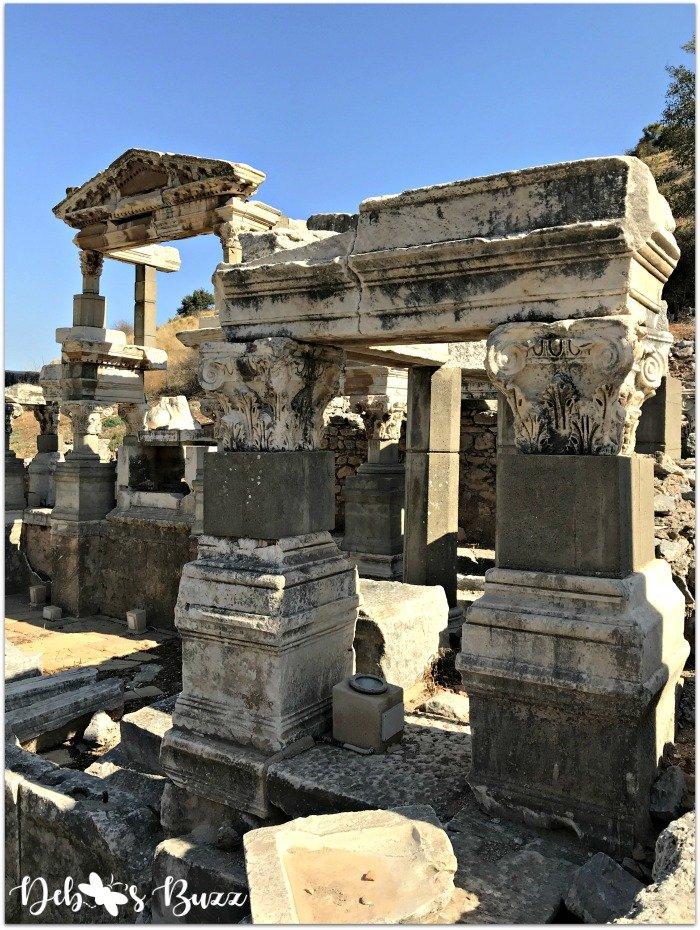 ephesus-turkey-arch-ruins