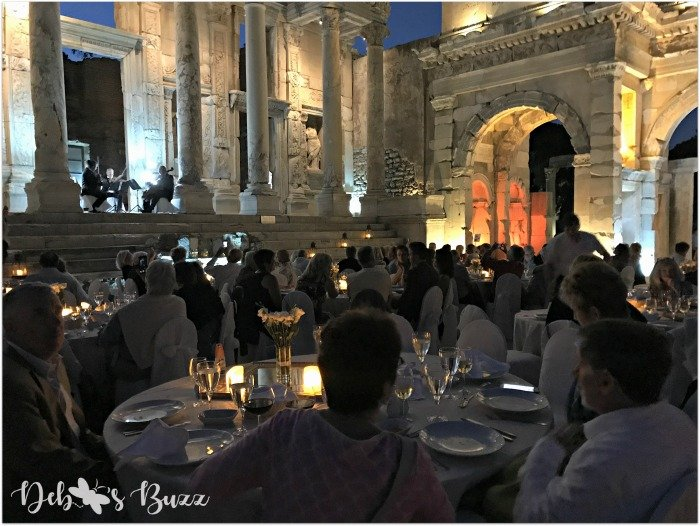 ephesus-celsus-library-candlelight-dinner