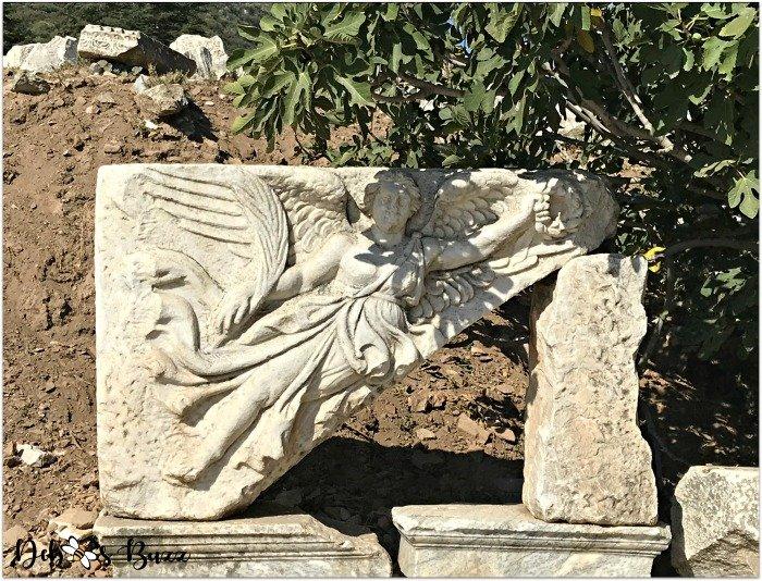 ephesus-turkey-winged-Nike-statue