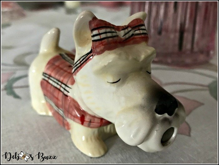 kissing-scottie-dog-salt-shaker