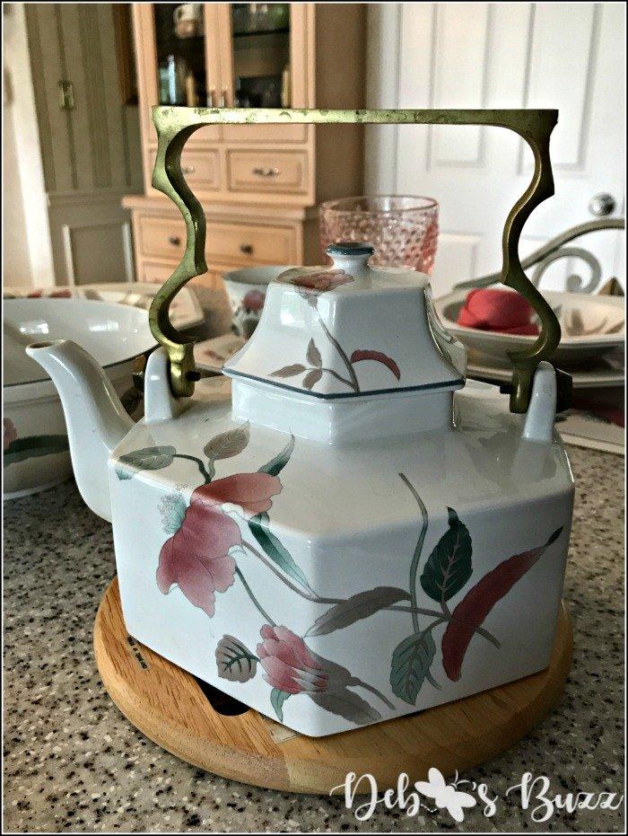 mikasa-silk-flowers-teapot