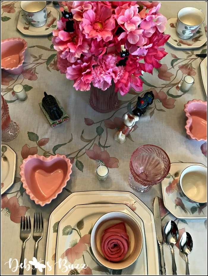 pink-valentines-day-table