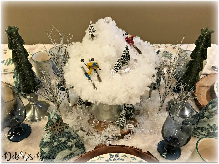 winter-table-ski-mountain-centerpiece