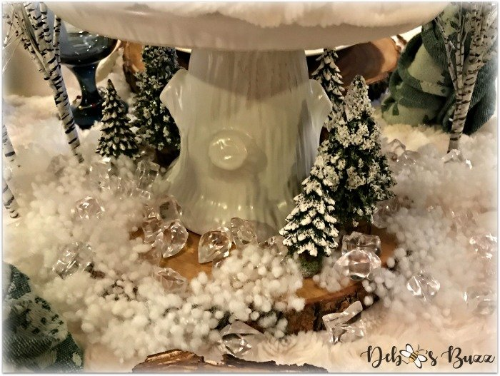 winter-table-white-tree-stump-cake-stand