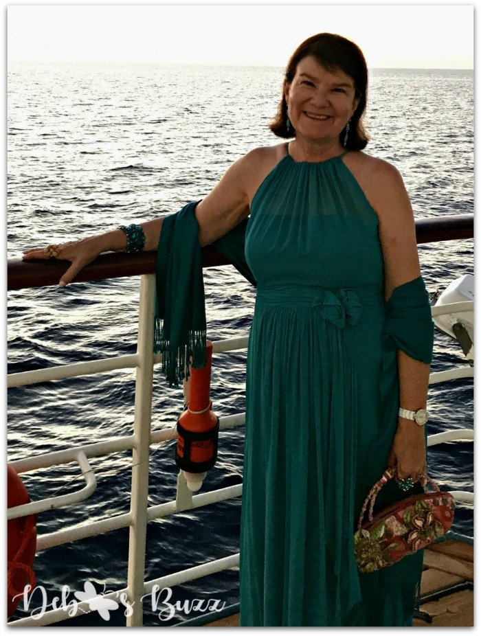 greece-cruise-ondeck-dress-up