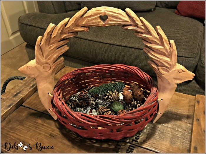 lodged-themed-game-room-carved-deer-basket