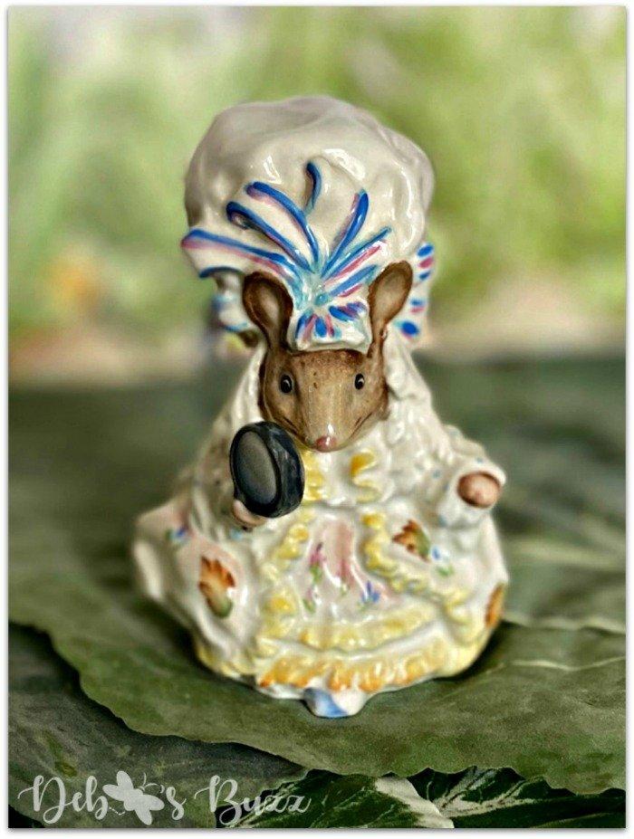 Beatrix-Potter-figurine-Lady-Mouse-Tailor-Gloucester