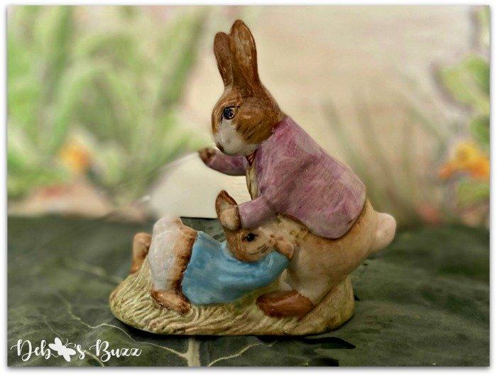 Beatrix-Potter-figurine-Mr-Benjamin-Peter-Rabbit