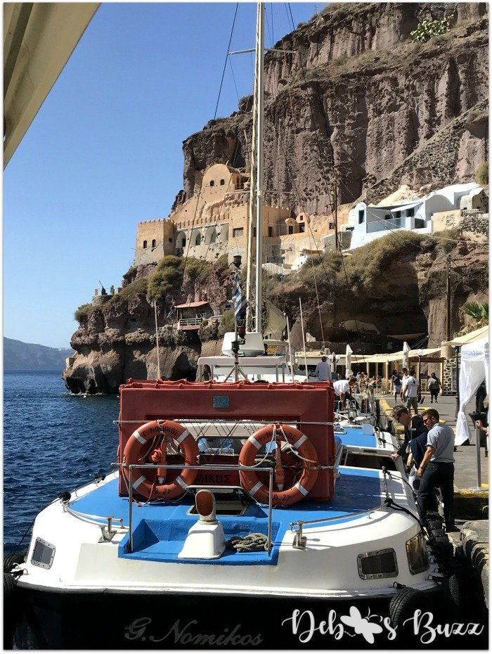 travel-Santorini-Greece-thira-dock
