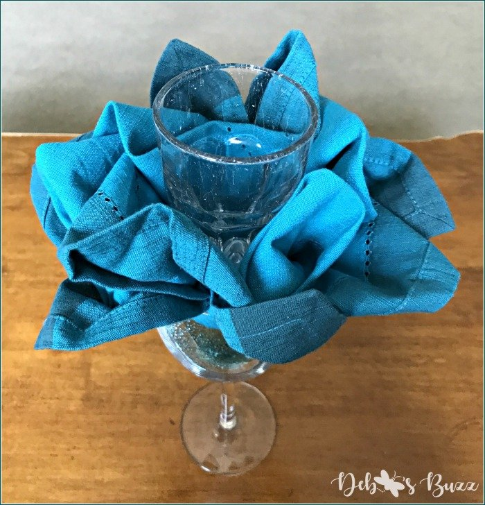 flower-napkin-fold-tutorial-transfer-glass