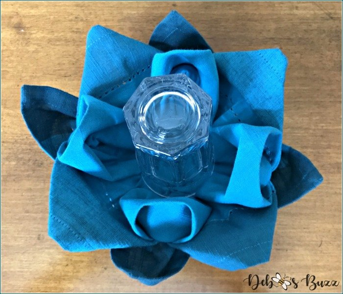 flower-napkin-fold-tutorial-twelve-petals