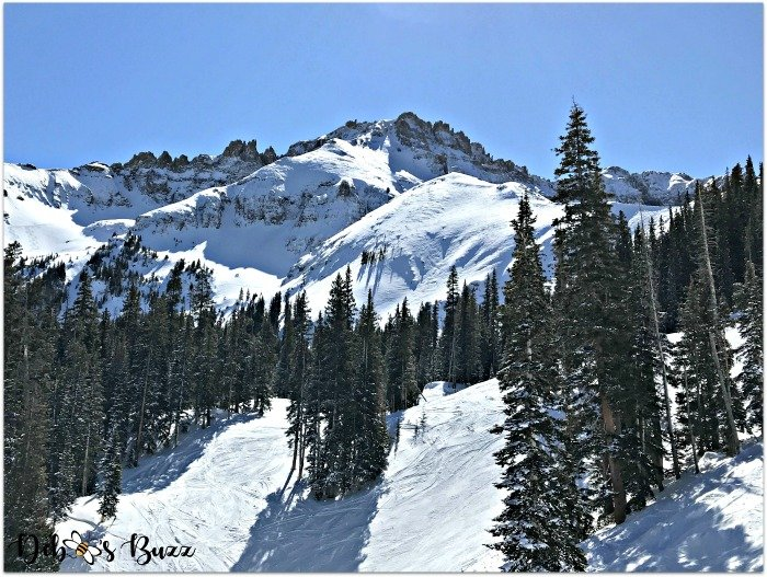 telluride-colorado-ski-vacation-mountain-peaks
