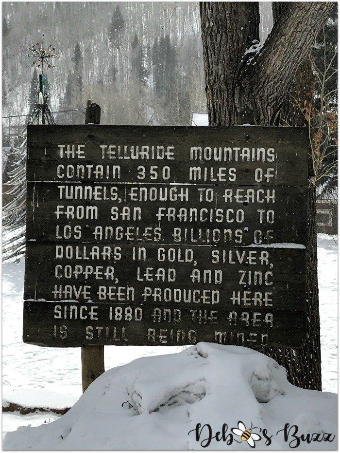 travel-Telluride-historic-mining-town-sign