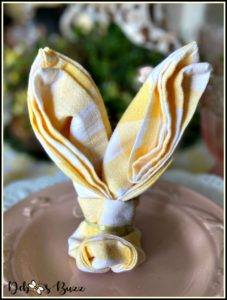yellow-white-check-rabbit-bunny-napkin-fold